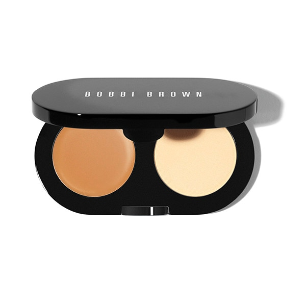 Conceal and set in one portable kit. Bobbi Brown\\\'s Creamy Concealer blends easily to instantly cover and brighten dark circles. It also helps maintain skin\\\'s moisture levels for a smooth, virtually line-less look. Fuss-free pressed powder sets concealer for long-lasting wear. Find out how you can look instantly well-rested in 3 easy steps. Won \\\